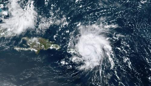 El huracán Dorian azota a Florida con condiciones de tormenta tropical