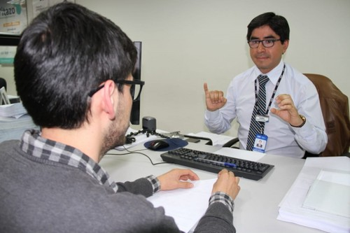 El SAT implementa servicio para personas con discapacidad auditiva