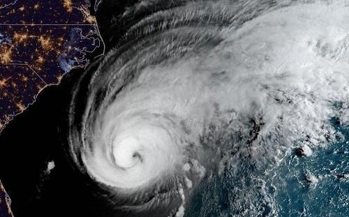 El huracán Humberto sube a categoría 3 y se dirige al norte de las Bermudas