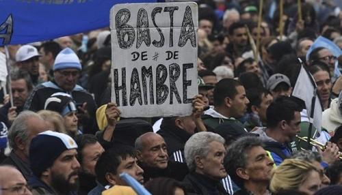 Senado argentino aprueba ley alimentaria de emergencia luego de protestas masivas