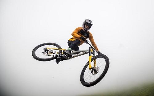 Sebastián Alfaro gana en Pachacamac, toma el liderato de la Copa Downhill y el Sudamericano es su próximo reto