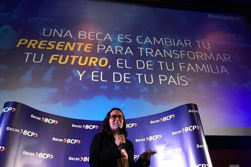 BCP lanza convocatoria de becas para estudiar en las mejores universidades e institutos del país