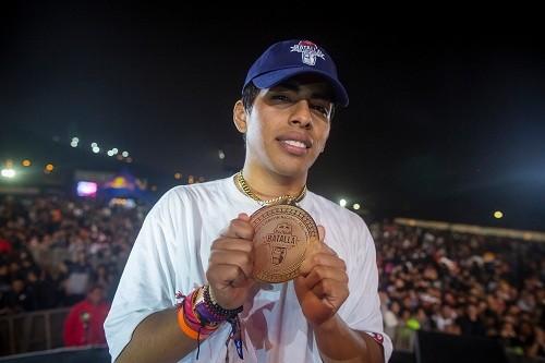 Litzen es el campeón peruano de Red Bull Batalla de los Gallos