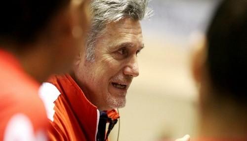 Francisco Hervás entregó lista de preseleccionadas para el Preolímpico de Colombia