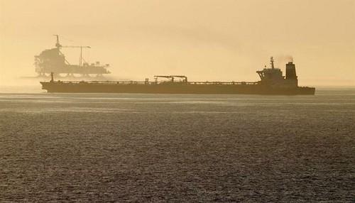 EE.UU.  'preocupado' por barcos de China que no pueden rastrearse que transportan petróleo de Irán