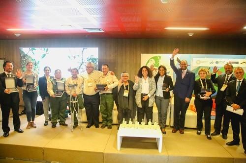 Premian destacada labor de guardaparques del Sernanp en conservación de las áreas protegidas del Perú