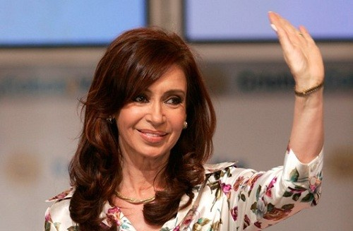 La ex presidenta argentina Cristina de Kirchner regresa a la contienda electoral y la comunidad judía está dividida
