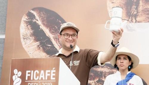 Mincetur lanza campaña para impulsar consumo interno de café