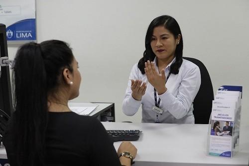 Servicio de atención en lengua de señas en el SAT