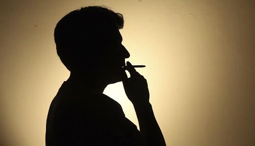 Consumo excesivo de alcohol y tabaco aumentan riesgo de tener neumonía