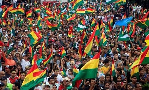 Bolivia: el país niega un golpe de estado y dice que es un retorno a la democracia