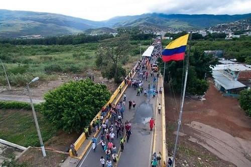 Militares venezolanos en alerta máxima por invasión colombiana