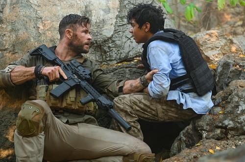 MISIÓN DE RESCATE protagonizada por Chris Hemsworth Disponible en Netflix el 24 de abril