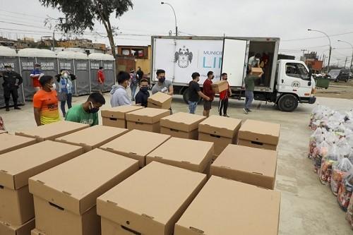 Municipalidad de Lima entregó víveres y útiles escolares a la comunidad de Cantagallo