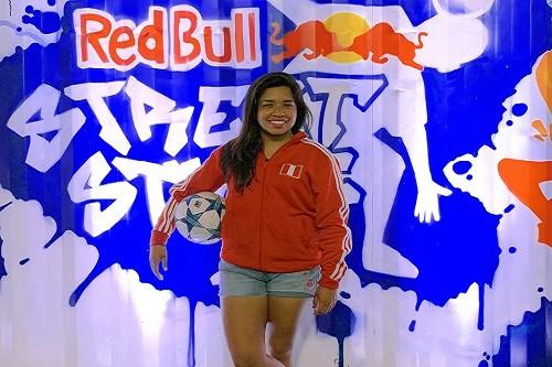 Perú en el mundial de fútbol estilo libre