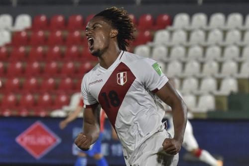 La selección peruana de fútbol regresa con un punto de Asunción
