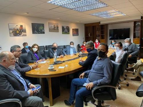 Ministros del gabinete Flores-Araoz renuncian tras la muerte de jóvenes en marchas