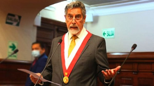 Francisco Sagasti es elegido presidente del Congreso de la República