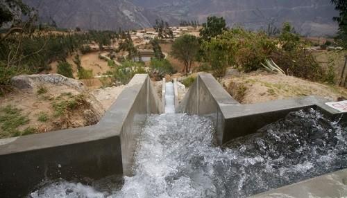 Midagri ejecuta obras de riego para fortalecer Agricultura Familiar en el Vraem