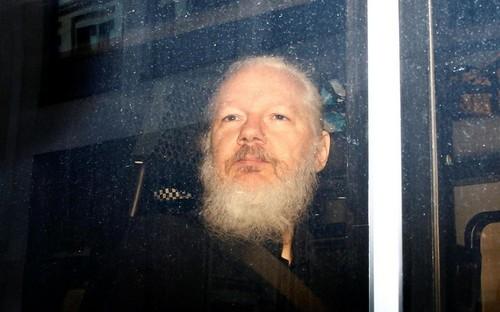 Julian Assange no será juzgado en los Estados Unidos: la justicia británica desestimó la solicitud de extradición