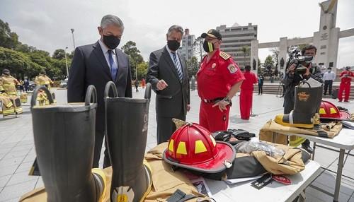 Presidente Sagasti: bomberos voluntarios cuentan con el decidido apoyo del gobierno