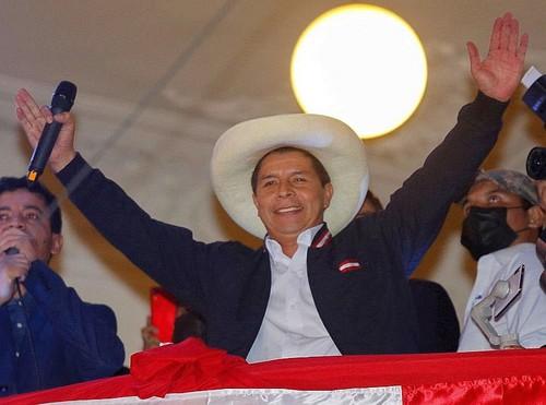 Jurado Nacional Elecciones proclama electo a Pedro Castillo