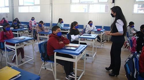 4657 colegios brindan clases semipresenciales en el segundo semestre