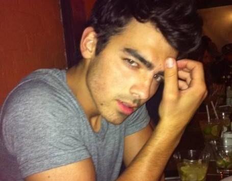 Joe Jonas compondrá canciones en español