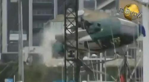 Piloto sale ileso tras colisionar su helicóptero