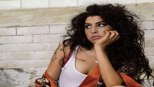 Autopsia no establece causas de la muerte de Amy Winehouse