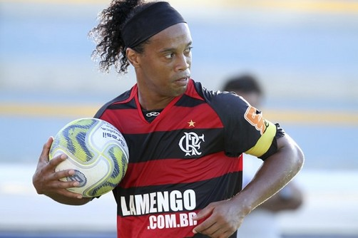 Cuelgan video de Ronaldinho Gaúcho en situación comprometedora