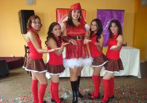 Anelhí presentó canción y a sus 'chiquibailarinas'
