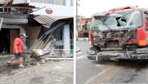 Chofer ebrio empotra vehículo en viviendas de San Luis