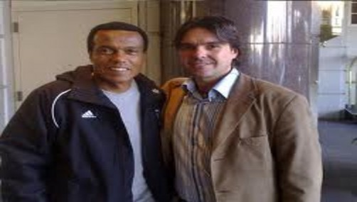 Teófilo Cubillas compara a Paolo Guerrero con Perico León