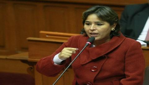 Nidia Vilchez opina sobre la gestión del Ministerio de la Mujer