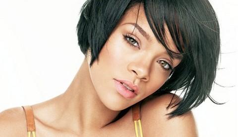 Rihanna: 'Crecí viendo cocaína y marihuana a mi alrededor'