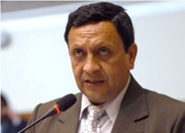 Ex congresista Roger Najar: 'Programa nacionalista original fue abandonado y echado a la basura'
