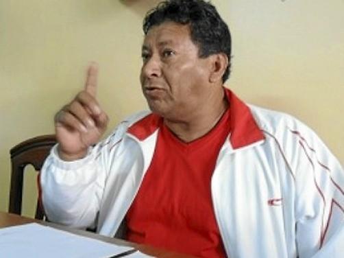 Alcalde de Huarmey indica que beber agua del grifo vuelve a los hombres gay