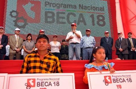 Programa Nacional Beca 18 ofrece 130 vacantes en Tacna