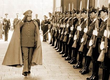 Augusto Pinochet: 'Fue duro cuando los países europeos empezaron a pelearse mi cuerpo'