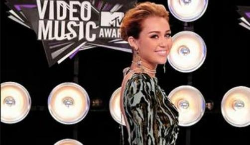Miley Cyrus en los MTV VMA's 2011