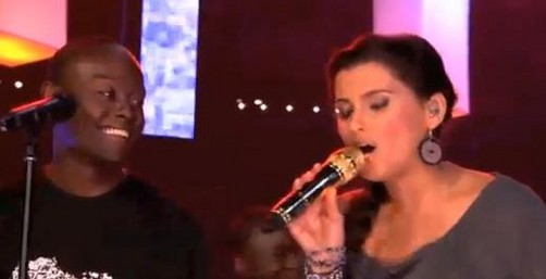 Actuación de Nelly Furtado en 'We Day 2011' (video)