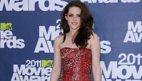 Kristen Stewart aterriza en París sin Robert Pattinson