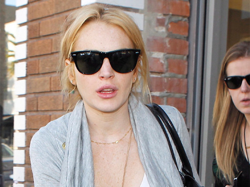 Lindsay Lohan interesada en Chris Brown