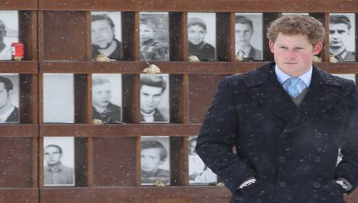 El Principe Harry sigue los pasos de los Duques de Cambridge