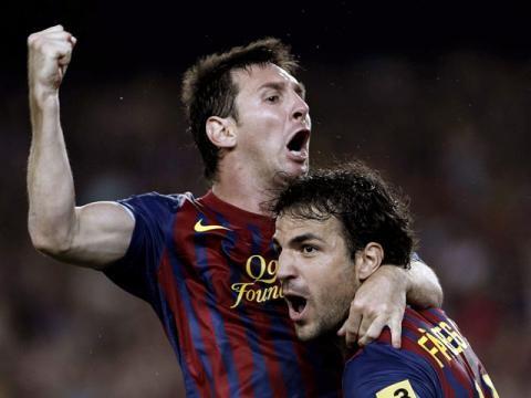 Fábregas resaltó jugar junto a Messi