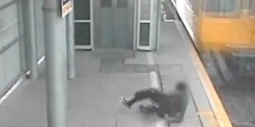 Video: Joven sobrevivió tras ser embestido por un tren en Australia