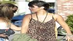 Vanessa Hudgens en mini vestido con estampado leopardo