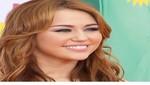 Miley Cyrus se sobra y desconoce a Ashley Greene