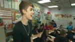 Justin Bieber sorprende a los niños de una escuela (Video)